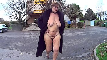 Hotel Hooker Suzi exposing herself after work.