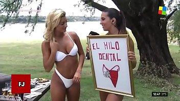 C. FERNANDEZ Y SOL PEREZ HACEN UNA ENTREVISTA CON MUY POCA ROPA EN VILLA CARLOS PAZ!!!