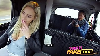 Female Fake Taxi Photographers balls drained by minx blonde driver