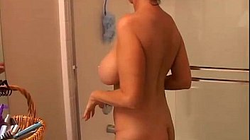 Big tits mature amateur gets wet