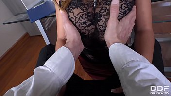 Leggy cum-addict hottie Frida Sante swallows cock under the table in the office