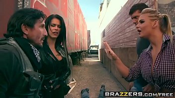 Brazzers - Pornstars Like it Big - Peta Jensen Phoenix Marie Ramon Tommy Gunn - World War Part Six