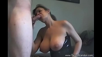 Hubby want a full creampie on my pussy