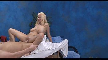 Flexible girl enjoys insertion