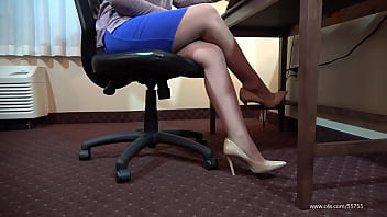 Chyna Sexy Pantyhose Shoeplay