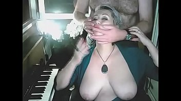 Addams-Family invites you to their extremely candid live shows ...))