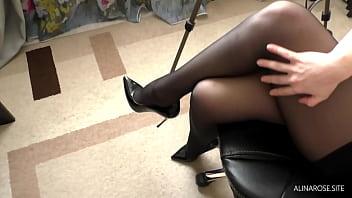 Office Secretary on break handjob boss on her legs in pantyhose high heels