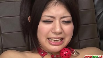 Hot japan girl Konatsu Hinata play with toys in her anus