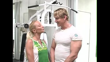 Sporty blonde Nomi instead of playing sports fucking with her trainer in the gym