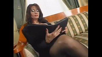 mom with big tits - family porn movie - DEALINGPORN.COM