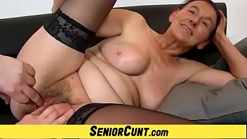 Gilf Linda and her old hairy pussy