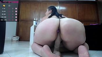 Big ass girl in webcam