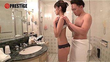 痙攣し過ぎる爆イキ人妻 大石香織 32歳 AVデビュー クラシックバレエ歴28年…美しくしなやかな肉体を持ったドエロ妻