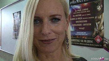 German Milf - Geile Amateurin Dirty-Tina fickt mit User ohne Kondom nach der Venus Messe in Berlin