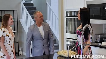 Sexy Housewife Crystal Rush Seduced and Bangs her daughter's BF