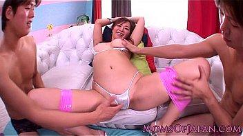 Japanese juyuko MILF handling three cocks