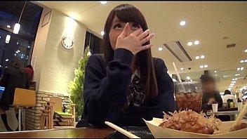紺野ひかる女子校生がホテルでおっさんのチンポを生フェの学生系動画