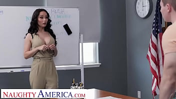 Naughty America - Crystal Rush shows Anthony how to properly milk a cock