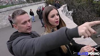 Jolie italienne vient pour une sodomie à la française