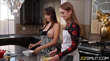 nympho lesbian housewife