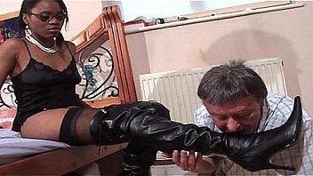 Faceful af black fisse for...