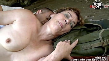 spanish amateur housewife make sex at the beach