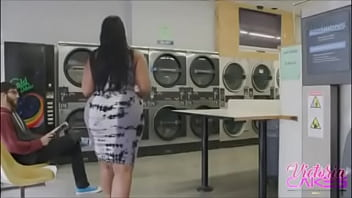big booty getting fucked at laundry mat
