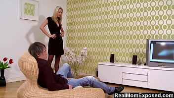 Hot Susan Snow In Her Sexy Lingerie Seduces This Young Dude