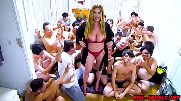 Kianna Dior gets her face completely covered in sperm in this extreme 30-load bukkake facial!