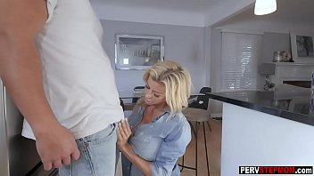 Busty Mom wants a step sons warm cum in her mouth after she sucked his strong fat cock