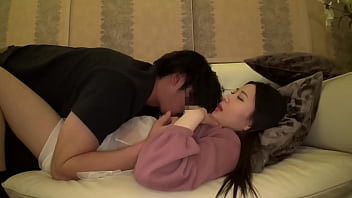 https://bit.ly/3ttND0V 19-year-old Ena, shaved beauty, student from Niigata Prefecture, 148 cm tall, B-cup tits! Two rounds of SEX, electric massager, cosplay, creampie, oral creampie, facial cumshot!