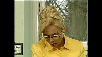 La signora hard in giallo