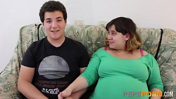 BBW PREGNANT BABE gets drilled by her boyfriend despite his tiny dick