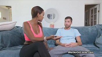 Curvy ebony fitness blogger blows hard cock