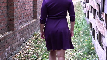 An anal sex toy is inserted into a juicy PAWG when a girl in a dress walks outdoors.