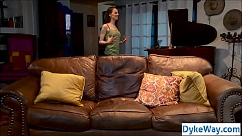 Classic roommate lesbian sex video