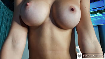 Famous model fucked by a lucky guy