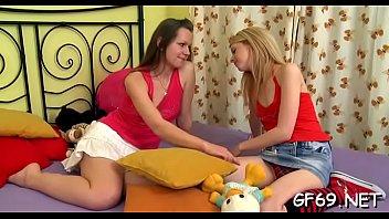 Petite adolescente porno gratuit videos...