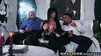 Brazzers - Mommy Got Boobs - (Toni Ribas) - Hellvira Mistress Of The Fuck