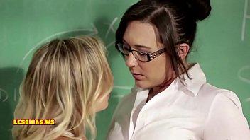 Nice lesbian kissing hot
