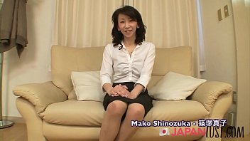Real Japanese Granny Squirting - JapanLust-com