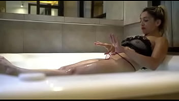 They film Angeles Ariana while she plays in the jacuzzi, here is a cock missing in her ass!