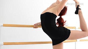 Petite ballerina Zlata Hamuphipoke spreading legs on camera