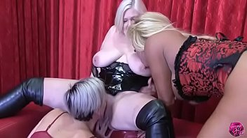 Granny, Milf, & Blonde Lick Each Other