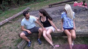 Deutsche Teens beim privaten Gruppensex draußen und partnertausch