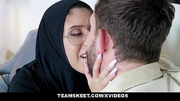 Muslim moman fucked in glasses and hijab