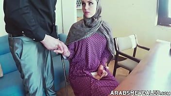 Hijab wearing babe stretched by big cock