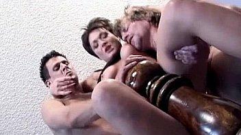 Extreme threesome