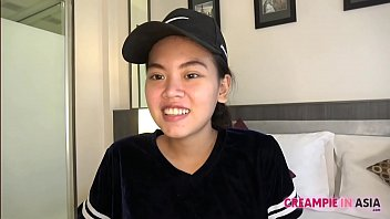 Thai girl trims beaver and gets creampied