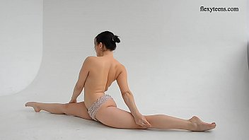 Naked gymnastics and flexible teen Dasha